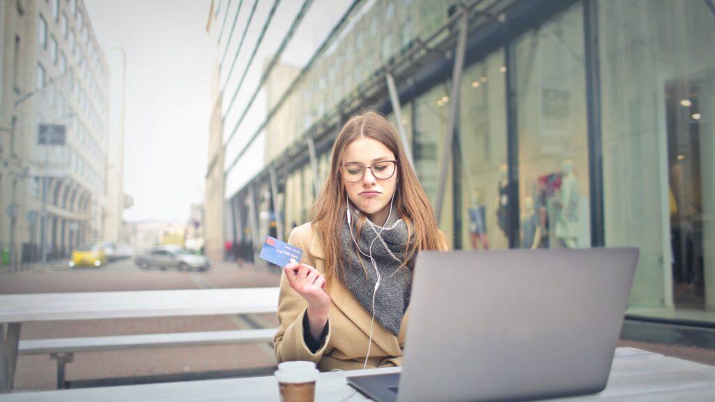 Tarjetas de débito gratis cómo evitar las comisiones