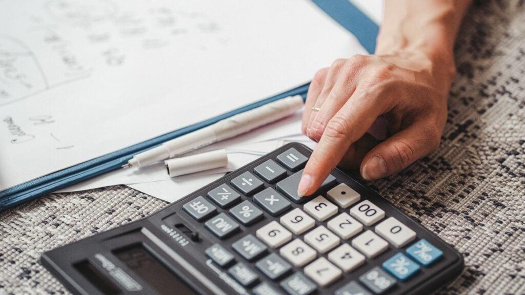 Cálculo de intereses de un préstamo